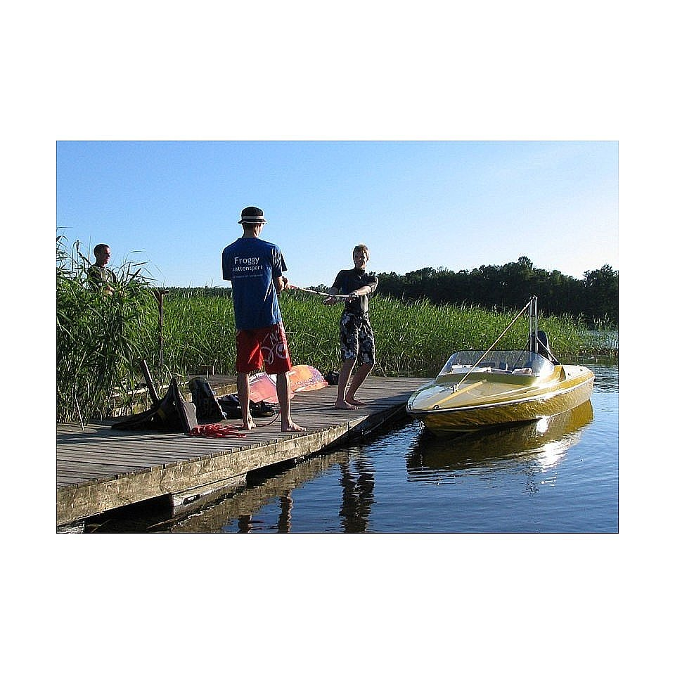 FROGGY VATTENSPORT Presentkort Nybörjarkurs i wakeboard hos Froggy 2f337ed0890d4